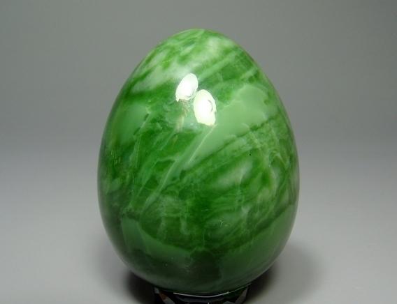 Нефритовое яйцо