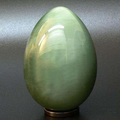 Нефритовое яйцо -кошачий глаз